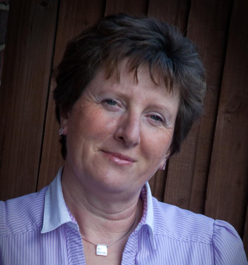 Lynne Phair (crop)